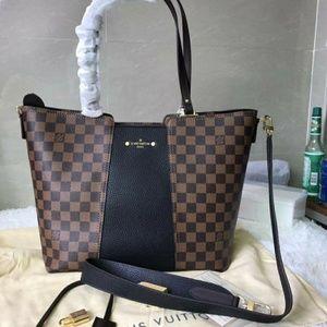 Louis Vuitton handbag9